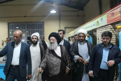 بازدید آیت الله موسوی جزایری از مرکز فنی و حرفه ای شهدای عین دو