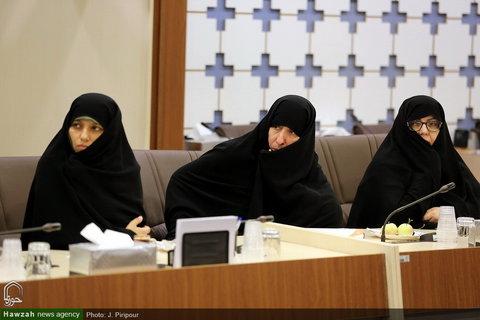 تصاویر/ دیدار نماینده سازمان جهانی بهداشت با مدیر حوزه خواهران