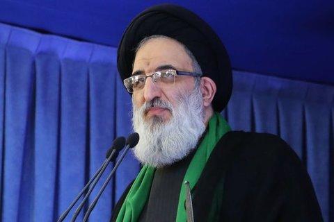 سید محمدمهدی حسینی همدانی در نماز جمعه