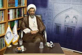 خاطراتی زنده از زندگی علما/ جزهای خوانده شده قرآن، تقویم ماه آیتالله حسنزاده آملی بود