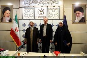 بالصور/ ممثل منظمة الصحة العالمية يلتقي بعلماء الدين في إيران