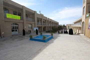 حوزه علمیه ای با ۲۵۰ بانوی طلبه در نهاوند