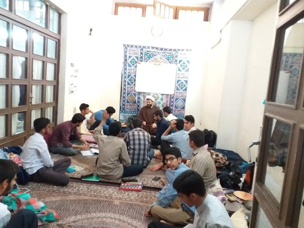 دوره مکالمه عربی ویژه طلاب کرمانی در مشهد برگزار شد