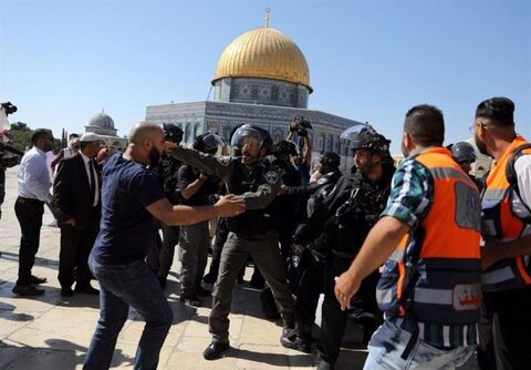 Israeli forces attack Palestinian worshippers in Al-Aqsa during Eid Prayer