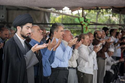 اقامه نماز عید قربان در امامزاده پنج تن لویزان