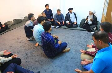 السبيل لمواجهة المؤامرات المحاكة ضد الإِسلام المحمدي الأَصيل هو التمسك بمنهج ومعارف أَهل البيت (ع)