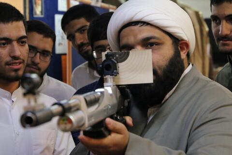 تصاویر/ دوره آموزش تیراندازی برای نفرات برتر علمی پایه های 2 تا 8 مدرسه علمیه دارالسلام