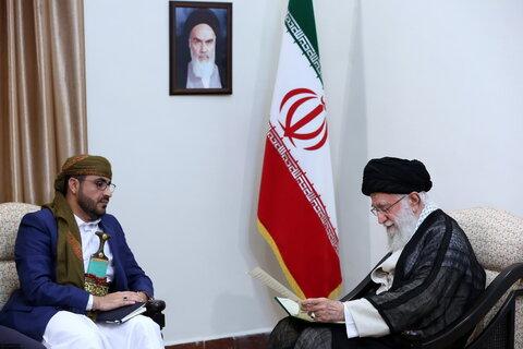 لقاء السيد محمّد عبد السلام الناطق باسم حركة أنصار الله في اليمن والوفد المرافق بالإمام الخامنئي