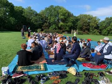 برای نخستین بار مسلمانان آکسفورد نماز عید را در فضای باز  اقامه کردند