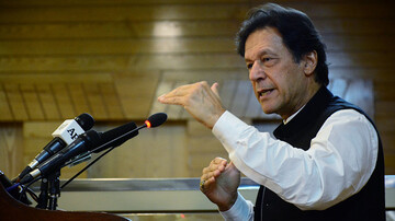 Pakistani PM warns of 'Srebrenica-type' massacre against Muslims in Kashmir