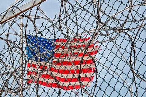 مشاور مسلمان زندان ایالتی نیویورک از تبعیض ضداسلامی در محیط کار شکایت کرد