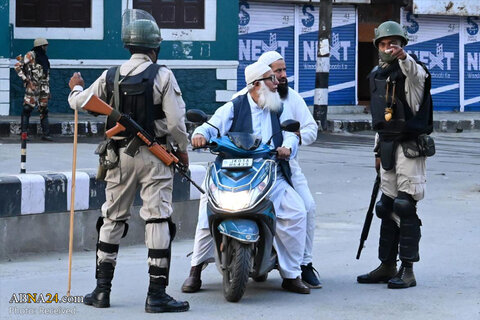 People in Kashmir say authorities barred them from entering mosques for Friday prayers as India continues its security clampdown over the Muslim-majority Himalayan region.  India has imposed a curfew