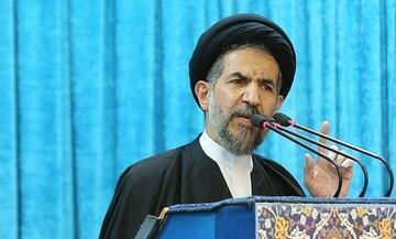 خطيب جمعة طهران يؤكد على اهمية صمود الشريحة الجامعية امام اميركا