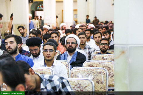 تقرير مصور عن مراسم بداية السنة الدراسية في حوزة أصفهان العلمية