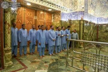 بالصور/ مراسِم غسل أروقة الضريح الطاهر للمولى أمير المؤمنين (عليه السلام) استعداداً لمناسبة عيد الغدير الاغر