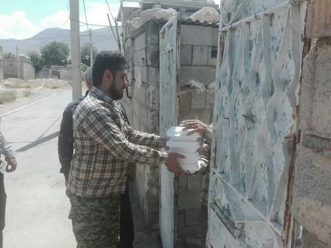 تصاویر/ توزیع غذا در روز عید غدیرخم در مناطق محروم منطقه جنوب شیراز به همت گروه جهادی