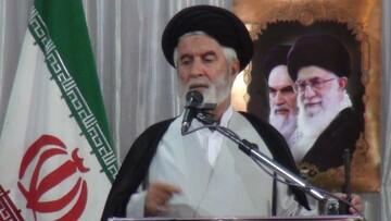 ایران سر تسلیم در برابر احدی فرود نخواهد آورد