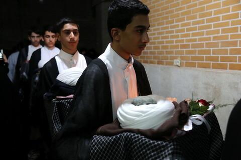 تصاویر/ جشن عمامه گذاری طلاب مدرسه علمیه جهانگیرخان قم