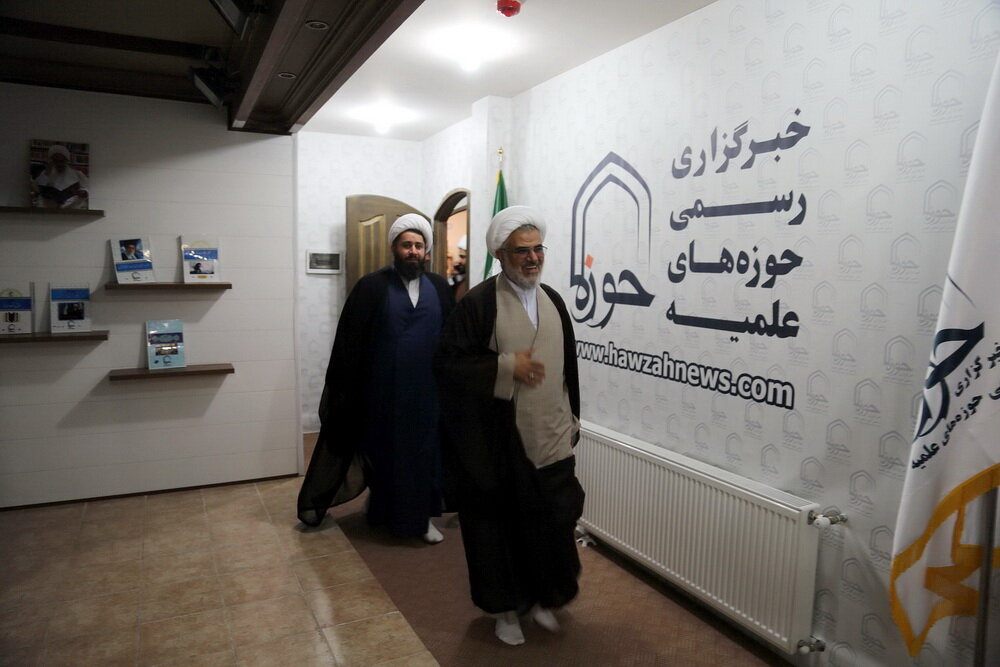 بازدید نماینده ولی فقیه در استان هرمزگان از خبرگزاری حوزه