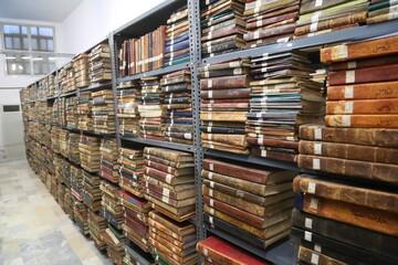 تصاویری از کتابخانه آیت الله العظمی گلپایگانی(ره)