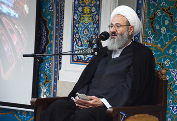 منافع مقاومت باید برای مردم تبیین شود/ آمریکا در برابر ایران به ذلت افتاده است