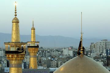 آیین تعویض پرچم گنبد حرم رضوی همزمان با آغاز ماه محرم برگزار میشود
