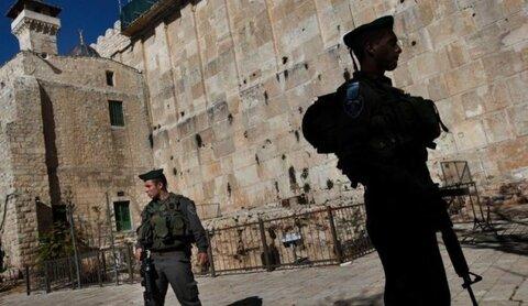 الإحتلال يغلق الحرم الإبراهيمي