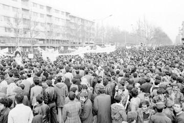 عزتمندی در انقلاب عاشورا و انقلاب اسلامی