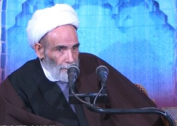 فیلم | روضه اربعین توسط آیت الله آقا مجتبی تهرانی