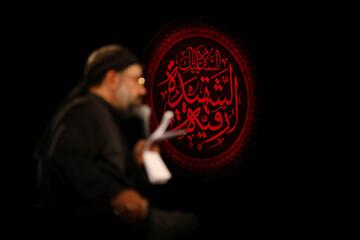 صوت| مداحی حاج محمود کریمی شب سوم محرم98