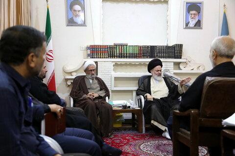تصاویر/ دیدار اعضای ستاد امر به معروف و نهی از منکر استان قم  با آیت الله حسینی بوشهری