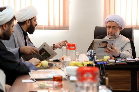 تصاویر/ بازدید حجت الاسلام والمسلمین عباسی رئیس جامعة المصطفی از رسانه رسمی حوزه