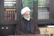 نمی توان حسینی بود و از انقلاب و نظام دفاع نکرد