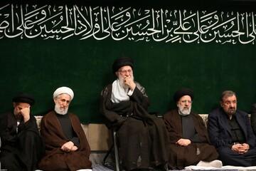 تصویری  رپورٹ رہبر معظم کی موجودگی میں حسینیہ امام خمینی (رہ) میں مجلس عزا منعقد