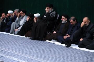 الإمام الخامنئي يشارك في مجلس العزاء الحسيني الليلة الأولى بحسينية الإمام الخميني (ره)