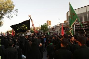 فیلم| اجتماع عزاداران یزدی در عصر هفتم محرم