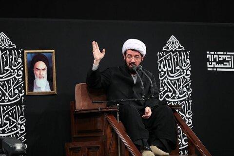 تصاویر/ دومین شب مراسم عزاداری حضرت اباعبدالله الحسین (علیهالسلام) در حسینیه امام خمینی