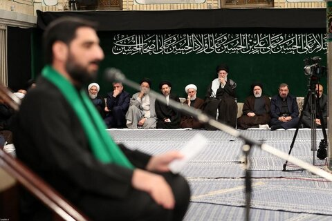 بالصور/ حسينية الإمام الخميني تحتضن الليلة الأولى لمجلس عزاء أبي عبدالله الحسين بحضور الإمام الخامنئي