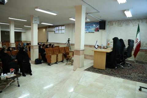 تصاویر/ هم اندیشی جمعی از دانشجویان دختر ترکیه با اساتید و طلاب مجتمع آموزش علوم اسلامی کوثر تهران