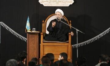 اجتماع عظیم اربعین حسینی تنها مختص مسلمانان و شیعیان نیست/ در خصوص اربعین کار رسانه ای خاصی انجام نشده است