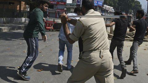 India imposes curfew in Kashmir, bans Shia ceremonies