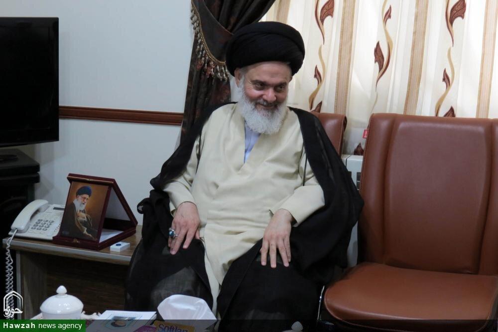 مسئولین کمیته امداد خمینی(ره) در نظام جمهوری اسلامی نمونه باشند