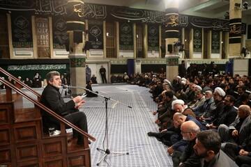 فیلم| مداحی حاج محمد رضا طاهری در حضور رهبر انقلاب