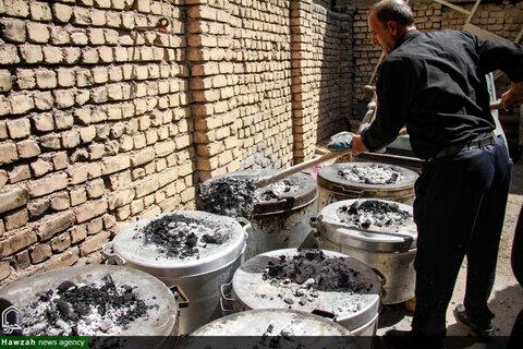 آیین سنتی مذهبی 300ساله طبخ و توزیع غذای نذری در روستای اراضی مبارکه اصفهان