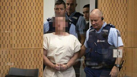 صلیب شکسته و نام عامل حمله کرایست چرچ بر دیوار مسجد استرالیایی