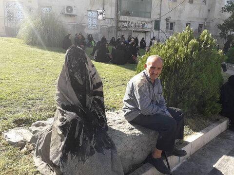 تصاویری از آئین گل مالی روز عاشورا مردم خرم آباد
