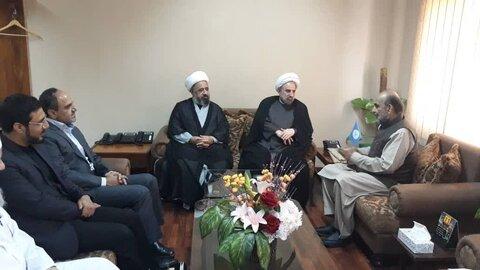رئیس دانشگاه مذاهب اسلامیبا رئیس شورای ایدئولوژی اسلامی پاکستان کرد