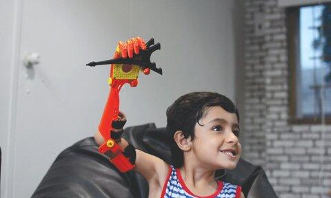 مهندسان مسلمان بازوی مصنوعی کنترل شونده با مغز اختراع کرده اند