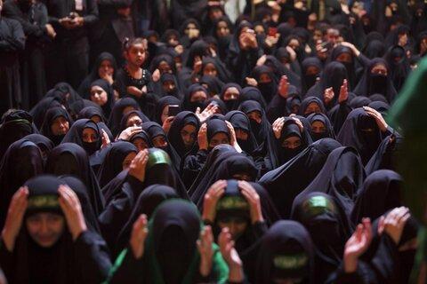 تصاویر/ مراسم عزاداری شام غریبان حسینی (علیهالسلام) در کربلا