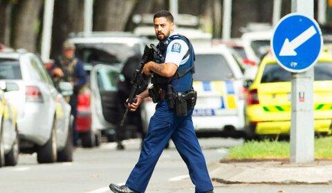 نیوزیلند در واکنش به حمله به مساجد ، قانون ثبت نام اسلحه را تصویب می کند